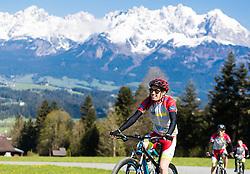 05.05.2016, Kitzbuehler Horn, Kitzbuehel, AUT, OeSV, Skisprung, Lehrgang Mountainbike Tour, im Bild Stefan Kraft (AUT) // Stefan Kraft of Austria during a mountain bike ride of the Austrian ski jumping Team at the Kistbuehler Horn, Kitzbuehel, Austria on 2016/05/05. EXPA Pictures © 2016, PhotoCredit: EXPA/ JFK