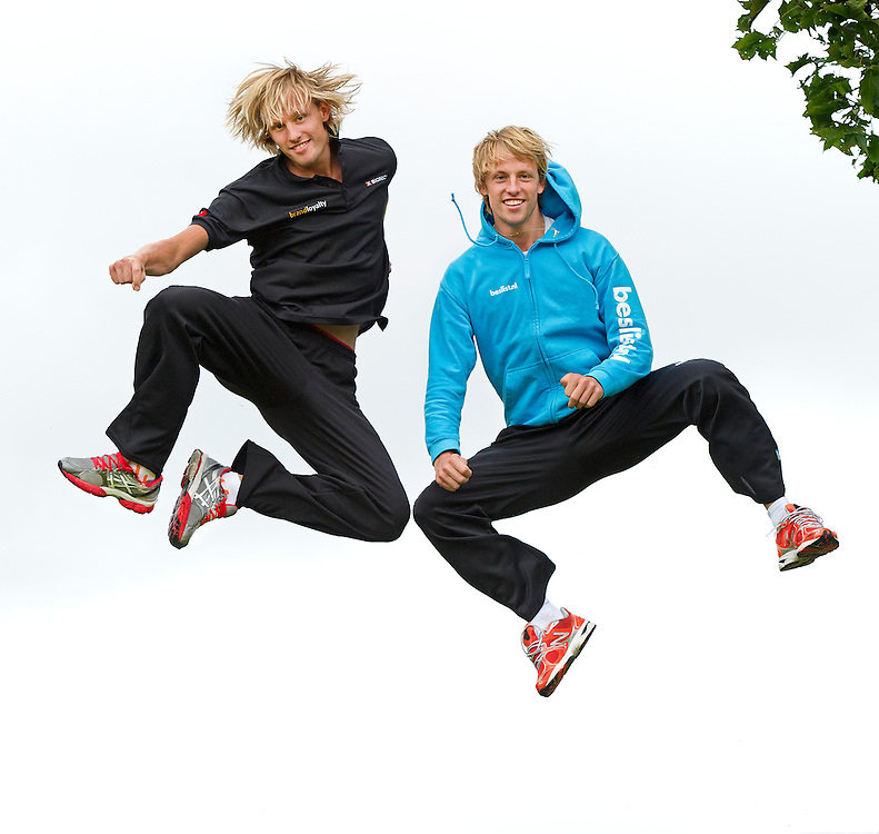 Nederland, Heerenveen, 05-10-2012.<br /> Schaatsen, Mannen.<br /> De tweeling Michel Mulder van de schaatsploeg Beslist.nl ( rechts ) en Ronald Mulder van de schaatsploeg BrandLoyality ( links ).<br /> Foto : Klaas Jan van der Weij