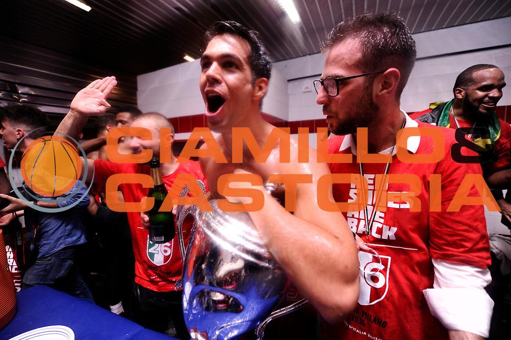 DESCRIZIONE : Milano Lega A 2013-14 EA7 Emporio Armani Milano vs Montepaschi Siena playoff Finale gara 7<br /> GIOCATORE : Bruno Cerella<br /> CATEGORIA : postgame post game<br /> SQUADRA : EA7 Emporio Armani Milano<br /> EVENTO : Finale gara 7 playoff<br /> GARA : EA7 Emporio Armani Milano vs Montepaschi Siena playoff Finale gara 7<br /> DATA : 27/06/2014<br /> SPORT : Pallacanestro <br /> AUTORE : Agenzia Ciamillo-Castoria/M.Marchi<br /> Galleria : Lega Basket A 2013-2014  <br /> Fotonotizia : Milano<br /> Lega A 2013-14 EA7 Emporio Armani Milano vs Montepaschi Siena playoff Finale gara 7<br /> Predefinita :