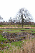 """Castle Hellenburg outside the village, to the way to Oudelande, is the bases of the medieval castle """"Hellenburg"""", which was devastated in the 15e centuries. Of the Castle now there is still some ruins of the head citadel left. But the visitor of the castle can get a good impression how the castle must have looked  in former days.<br /> <br /> Kasteel Hellenburg<br /> Net buiten het dorp, aan de weg naar Oudelande, zijn de fundamenten van het middeleeuwse kasteel """"Hellenburg"""", dat tijdens een stormvloed in de 15e eeuw verwoest werd.<br /> Van het middeleeuwse kasteel de Hellenburg zijn nu nog alleen maar de fundamenten over van de hoofdburcht. Maar die zijn dan ook fraai geconsolideerd, zodat de bezoeker van de plaats waar het kasteel vroeger stond, een goede indruk kan krijgen hoe het kasteel de Hellenburg er vroeger moet hebben uitgezien."""