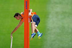 29-07-2010 ATLETIEK: EUROPEAN ATHLETICS CHAMPIONSHIPS: BARCELONA<br /> Tienkamper Ingmar Vos sprong een pr bij polsstokhoogspringen<br /> ©2010-WWW.FOTOHOOGENDOORN.NL