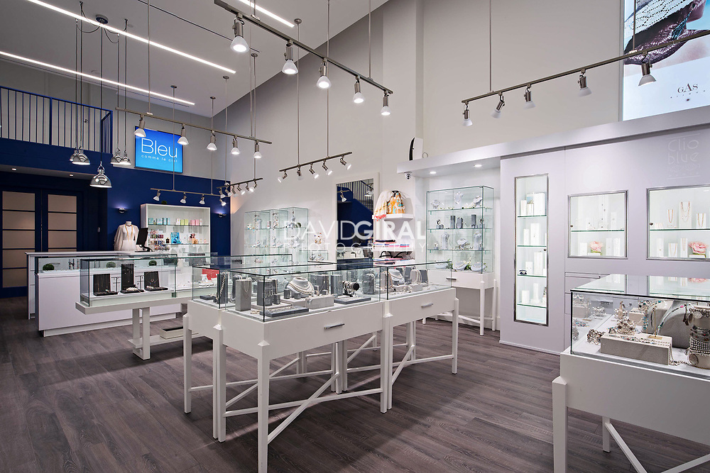 Commercial Retail Architecture & Interiors Photography - Bleu Comme Le Ciel Jewelry Store - Montreal