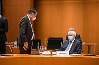 02 DEZ 2020, BERLIN/GERMANY:<br /> Gerd Mueller (L), CSU, Bundesentwicklungshilfeminister, und Horst Seehofer, CSU, Budnesinnenminister, , mit Mund-Nase-Maske, vor Beginn einer Kebinettsitzung, Internationaler Konferenzsaal, Bundeskanzleramt<br /> IMAGE: 20201202-01-007<br /> KEYWORDS: Sitzung, Kabinett, Atemmaske, Maske, Corvid-19, Corona, Pandemie, Gespräch, Gespraech, Gerd Müller