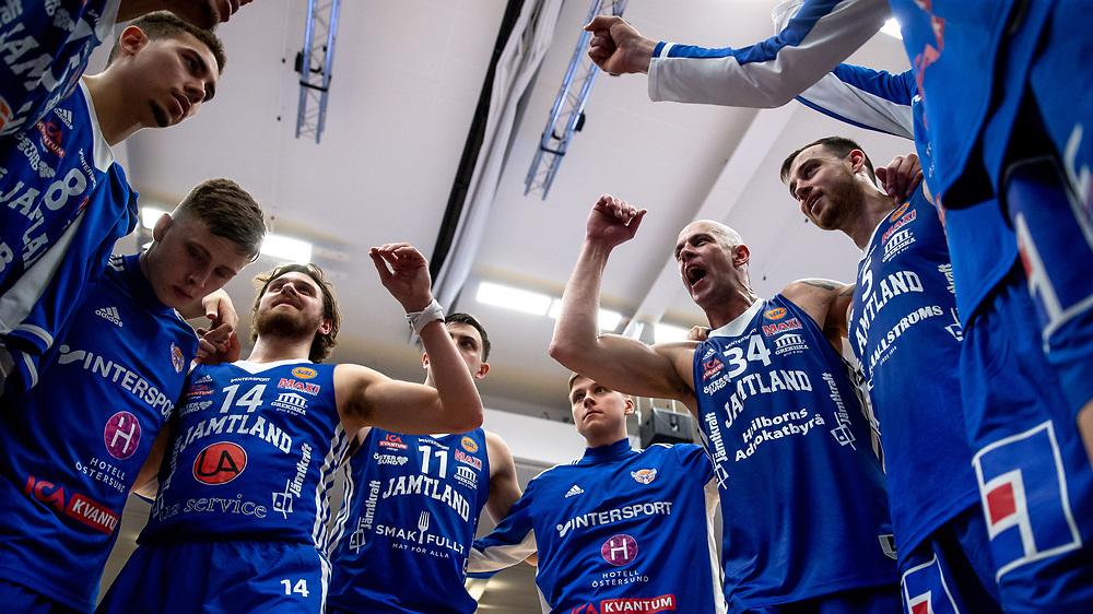 ÖSTERSUND 20211007<br /> Pepp efter torsdagens match i basketligan mellan Jämtland Basket och Norrköping Dolphins.<br /> Foto: Per Danielsson / Projekt.P