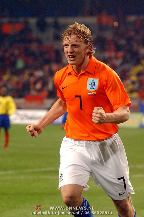 NLD/Amsterdam/20060301 - Voetbal, oefenwedstrijd Nederland - Ecuador, Dirk Kuyt juicht na zijn doelpunt