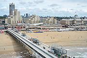 Uitzicht vanaf de Pier op de boulevard van Scheveningen, Den Haag - View from the Pier to the promenade of Scheveningen, The Hague Beach
