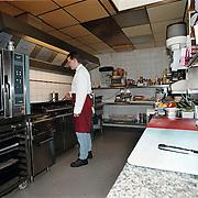 Restaurant 't Jagerhuis Dorpstraat Lage Vuursche, kok in de keuken