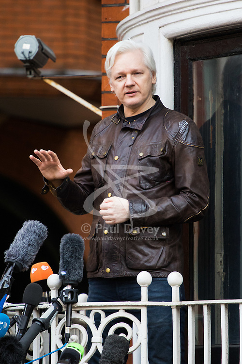 Kinghtsbridge, London, May 19th 2017. Wikileaks Founder Julian Assange addresses the media from a balcony at the Ecuadorian Embassy where he has been exiled under political assylum, following Sweden's dropping of rape charges against him. He had feared that the charges were being used as a ploy to get him extradited to the United States where he faces charges of breaching national security.