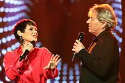 """Auftritt von Francine Jordi im Duett mit Bernhard Brink anlässlich der SRF-Pop-Schlager-Show """"Hello Again"""" 2019."""