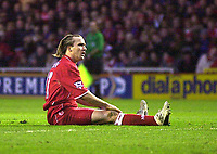 Photo. Glyn Thomas.<br /> Middlesbrough v Portsmouth. FA Barclaycard Premiership.<br /> Riverside Stadium, Middlesbrough. 06/12/2003.<br /> Boro's Bolo Zenden cannot believe he missed such an easy chance to score and win the match for his side.