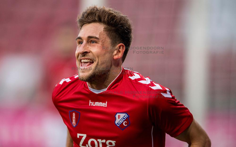 05-02-2017 NED: FC Utrecht - Heerenveen, Utrecht<br /> 21e speelronde van seizoen 2016-2017, Nieuw Galgenwaard Andreas Ludwig #11 DUI scoort de 1-0