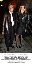 Artist ANISH KAPOOR and his wife SUSANNAH at a party in London on 31st January 2004.PRE 37