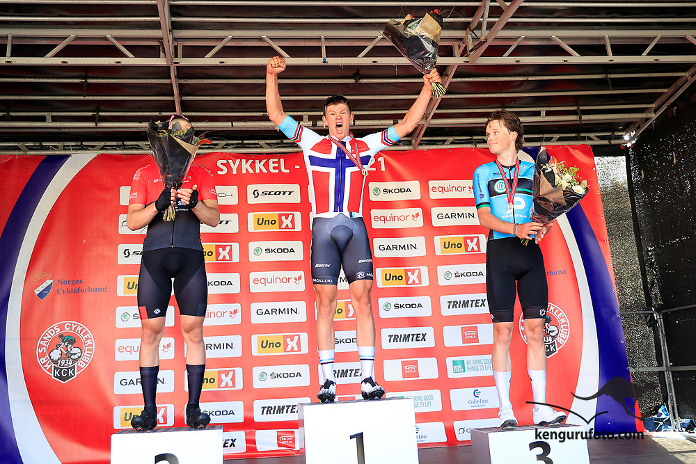 Vennesla 20210613. <br /> Tord Gudmestad vant foran Tim Edvard Pettersen og Vebjørn Rønning, fellesstart U23 for herrer under sykkel-NM 2021 i Vennesla.<br /> Foto: Tor Erik Schrøder / NTB