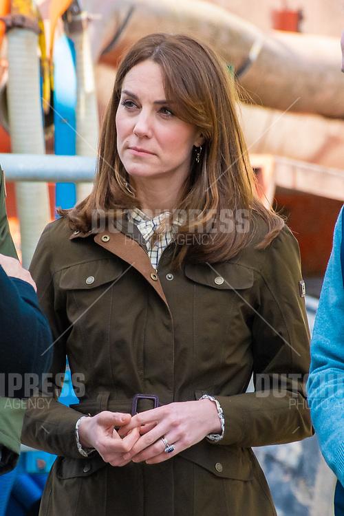 COUNTY MEATH - Catherine Hertogin van Cambridge bij een bezoek aan Research Farm,<br /> County Meath, op de tweede dag van hun drie-daags bezoek aan Ierland.