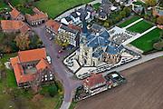 Nederland, Limburg, Gemeente Meerssen, 15-11-2010; Geulle aan de Maas, met Martinus kerk, kerkhof en boerderij (hof)..luchtfoto (toeslag), aerial photo (additional fee required).foto/photo Siebe Swart