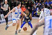 DESCRIZIONE : Campionato 2014/15 Serie A Beko Dinamo Banco di Sardegna Sassari - Upea Capo D'Orlando<br /> GIOCATORE : Sek Henry<br /> CATEGORIA : Palleggio<br /> SQUADRA : Upea Capo D'Orlando<br /> EVENTO : LegaBasket Serie A Beko 2014/2015<br /> GARA : Dinamo Banco di Sardegna Sassari - Upea Capo D'Orlando<br /> DATA : 22/03/2015<br /> SPORT : Pallacanestro <br /> AUTORE : Agenzia Ciamillo-Castoria/L.Canu<br /> Galleria : LegaBasket Serie A Beko 2014/2015
