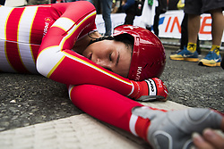 September 19, 2017 - Bergen, NORWAY - 170919 Cecilie Uttrup Ludwig looks exhausted after crossing the finish line during the Women Elite Individual Time Trial on September 19, 2017 in Bergen..Photo: Jon Olav Nesvold / BILDBYRN / kod JE / 160022 (Credit Image: © Jon Olav Nesvold/Bildbyran via ZUMA Wire)