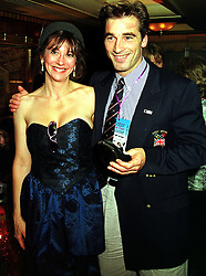MR & MRS MARTIN BELL he is the leading British skier, at a party in London on 28th October 1999.MYG 54