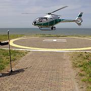 NLD/Noordwijk/20060619 - Societylunch 2006, Kristina Bozilovic komt per helicopter