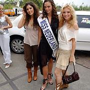 NLD/Amsterdam/20050519 - Uitreiking 2005 FHM 100 sexiest vrouwen Awards, Yolanthe Cabau van Kasbergen, Miss Nederland Miranda Slabber, Annelieke Bouwers.Jolanthe