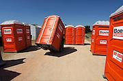 Nederland, Nijmegen, 26-5-2012Op een openlucht evenement worden mobiele chemische toiletten geplaatst.Foto: Flip Franssen/Hollandse Hoogte
