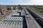 Nederland, Nijmegen, 1-5-2018 Het busstation, busterminal, bij het treinstation van de stad is leeg vanwege een landelijke staking van de streekbussen. Ironie vanwege de dag van de arbeid .Foto: Flip Franssen