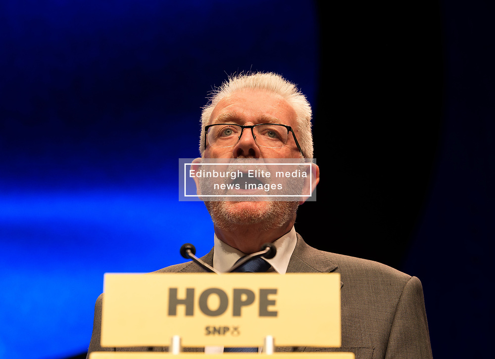 Pictured: Mike Russell speaks to a packed conference hall on the final day of the conference.<br /> <br /> © Dave Johnston / EEm