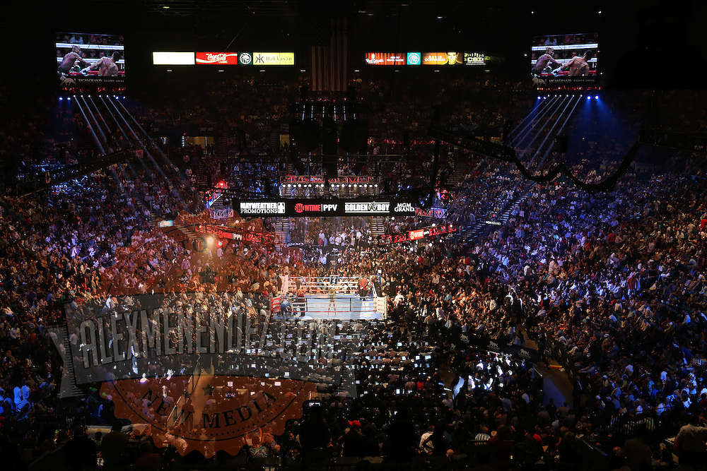 LAS VEGAS, NV - SEPTEMBER 13: A general view after round 3 of the Floyd Mayweather Jr. v Marcos Maidana WBC/WBA welterweight title fight at the MGM Grand Garden Arena on September 13, 2014 in Las Vegas, Nevada. (Photo by Alex Menendez/Getty Images) *** Local Caption *** Floyd Mayweather Jr; Marcos Maidana