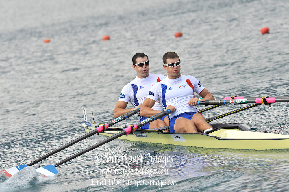 Bled, SLOVENIA.   FRA M2X, Bow, Dederic BERREST and Julien BAHAIN at the start,  2011 FISA World Rowing Championships, Lake Bled. Tuesday  30/08/2011  [Mandatory Credit; Peter Spurrier/ Intersport Images]