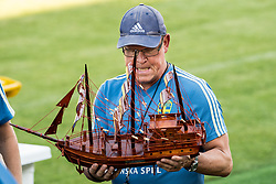 July 4, 2018 - Gelendzhik, Russia - 180704 Head coach Janne Andersson of the Swedish national football team with a ship that he received at a practice session during the FIFA World Cup on July 4, 2018 in Gelendzhik..Photo: Petter Arvidson / BILDBYRN / kod PA / 92081 (Credit Image: © Petter Arvidson/Bildbyran via ZUMA Press)