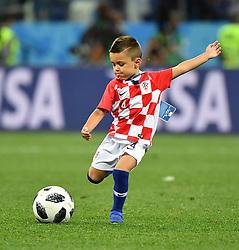 NIZHNY NOVGOROD, June 21, 2018  The son of Croatia's player Ivan Perisic is seen on the field after the 2018 FIFA World Cup Group D match between Argentina and Croatia in Nizhny Novgorod, Russia, June 21, 2018. Croatia won 3-0. (Credit Image: © Li Ga/Xinhua via ZUMA Wire)