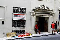April 26, 2018 - SãO Paulo, Brazil - SÃO PAULO, SP - 26.04.2018: CONVENTO SÃO FRANCISCO PINTADO MADRUGADA - Part of the facade of the San Francisco Convent, in the city center, was painted on Wednesday (25). The property, which is listed is considered a public patrimony. According to witnesses, city officials would have done the service, the town hall defends itself by saying that it did not authorize the painting. (Credit Image: © Aloisio Mauricio/Fotoarena via ZUMA Press)
