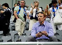 Fotball<br /> Toppserien<br /> Telenor Arena<br /> 23.06.09<br /> Stabæk - Arna-Bjørnar<br /> <br /> Peter Kovacs følger sin kjæreste Melissa Wiik