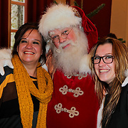 NLD/Amsterdam/20111208- Sky Radio Christmas tree for Charity, Xandra Brood - Jansen en dochter Lola Brood en de kerstman
