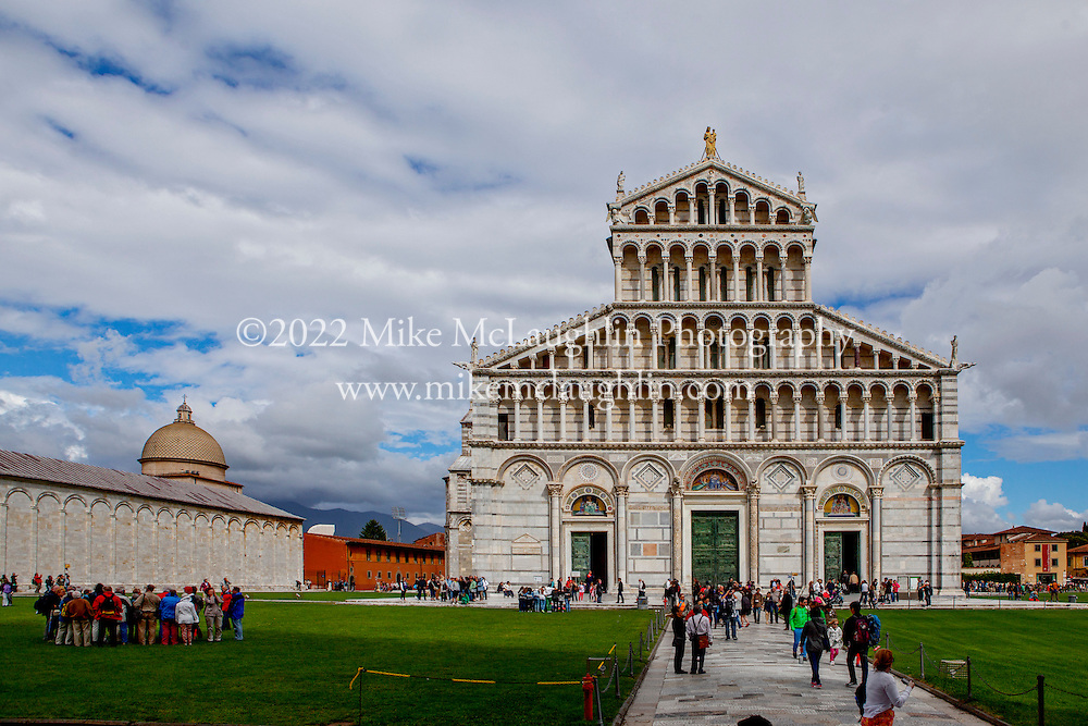 April 30, 2014<br /> Cattedrale di Pisa. Pisa, Italy.<br /> ©2014 Mike McLaughlin<br /> www.mikemclaughlin.com<br /> All Rights Reserved