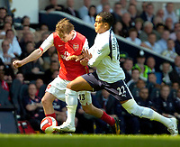 Photo: Ed Godden/Sportsbeat Images.<br /> Tottenham Hotspur v Arsenal. The Barclays Premiership. 21/04/2007. Spurs' Tom Huddlestone (R), wrestles Alexander Hleb off the ball.