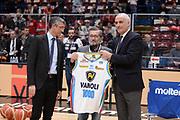 DESCRIZIONE : Milano BEKO Final Eigth  2016<br /> Vanoli Cremona - Dinamo Banco di Sardegna Sassari<br /> GIOCATORE : Fernando Marino Aldo Vanoli Cesare Pancotto<br /> CATEGORIA :  Before Pregame Premiazione<br /> SQUADRA : Vanoli Cremona<br /> EVENTO : BEKO Final Eight 2016<br /> GARA : Vanoli Cremona - Dinamo Banco di Sardegna Sassari<br /> DATA : 19/02/2016<br /> SPORT : Pallacanestro<br /> AUTORE : Agenzia Ciamillo-Castoria/M.Longo<br /> Galleria : Lega Basket A 2016<br /> Fotonotizia : Milano Final Eight  2015-16 Vanoli Cremona - Dinamo Banco di Sardegna Sassari<br /> Predefinita :