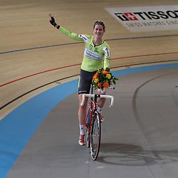 18-12-2016: Wielrennen: NK baanwielrennen: Apeldoorn   <br /> APELDOORN (NED) wielrennen    <br /> Vera Koedooder reed op het NK puntenkoers haar laatste koers. De Apeldoornse kan terugkijken op een mooie wielercarriere met twee wereldtitels op de baan en diverse nationale titels op baan. In haar laatste wedstrijd pakte ze een bronzen medaille achter Kirsten Wild en Judith Bloem