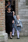 De koninklijke familie en tal van vrienden, bekenden en collega's van prins Friso zijn samengekomen in de Oude Kerk in Delft om de op 12 augustus overleden prins Friso te herdenken. <br /> <br /> The royal family and many friends, acquaintances and colleagues of Prince Friso are in the Old Church in Delft to commemorate the Prince who past away on August 12 2013.<br /> <br /> Op de foto / On the photo:  Prinses Beatrix en dochter Prinses Mabel, Luana / Princess Beatrix and Princess Mabel daughter, Luana