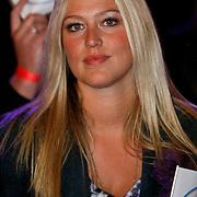 NLD/Ede/20110415 - Finale Sterren Dansen op het IJs 2011, Liza Plat, vriendin van Jan Smit