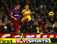 Fotball<br /> Premier League 2004/2005<br /> 06.11.2004<br /> Foto: SBI/Digitalsport<br /> NORWAY ONLY<br /> <br /> Crystal Palace v Arsenal<br /> <br /> Danny Granville of Crystal Palace clashes with Fredrik Ljungberg of Arsenal