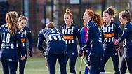 BILTHOVEN -  Hoofdklasse competitiewedstrijd dames, SCHC v hdm, seizoen 2020-2021.<br /> Foto: Spanning op de gezichten bij team hdm