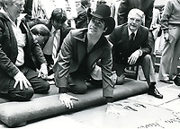 1980 John Travolta's hand and footprint ceremony at the Chinese Theater
