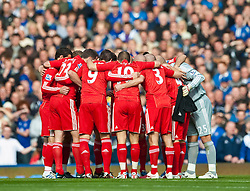 17.10.2010, Goodison Park, Liverpool, ENG, PL, Everton FC vs Liverpool FC, im Bild Liverpool's captain Steven Gerrard MBE leads his side in a team huddle before the 214th Merseyside Derby match against Everton at Goodison Park, EXPA Pictures © 2010, PhotoCredit: EXPA/ Propaganda/ D. Rawcliffe *** ATTENTION *** UK OUT!