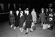 18/04/1963<br /> 04/18/1963<br /> 18 April 1963<br /> Children en route for  Gaeltacht holiday at Kingsbridge station (Heuston station). Passing through Dublin on their way to spend three months in the Connemara Gaeltacht are these winners of the Gael Linn scholarships. From the counties of Waterford, Carlow, Kilkenny, Wicklow and Kildare they will be joined in the Gaeltacht by children from all over Ireland.