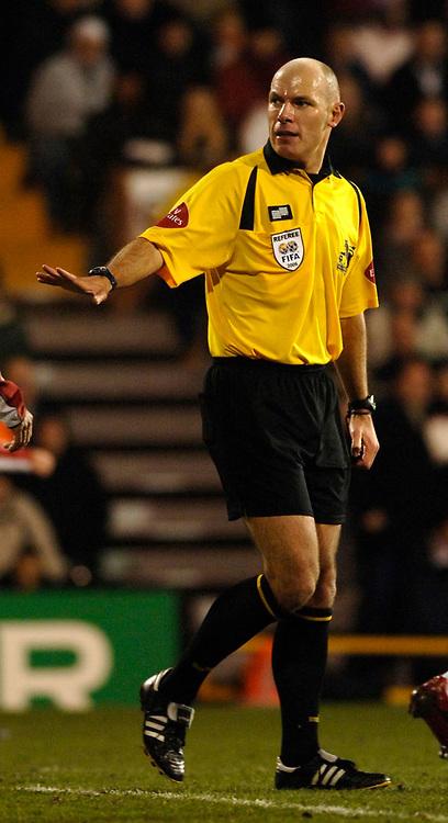 Photo: Daniel Hambury.<br />Fulham v Tottenham Hotspurs. Barclays Premiership. 31/01/2006.<br />Referee Howard Webb.