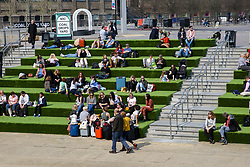 © Licensed to London News Pictures. 30/03/2019. London, UK. Londoners and tourists enjoy the warm spring sunshine at Regents Canal as warm weather across the UK continues. Photo credit: Dinendra Haria/LNP