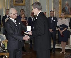 Kˆnig Carl Gustaf bei der Verleihung der Prinz Eugen Medaillen im Schloss in Stockholm / 091216<br /> <br /> ***Presentation of the Prince Eugen Medal in Stockholm, Sweden, Dec. 09th, 2016.***