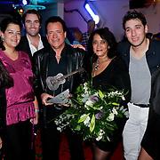 NLD/Den Bosch/20110929 - Uitreiking BumaNL Awards 2011, George Baker, partner Blanche en kinderen