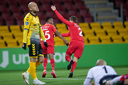 Målscorer Isaac Atanga (FC Nordsjælland) jubler med Mads Døhr Thycosen efter scoringen til 1-0 under kampen i 3F Superligaen mellem FC Nordsjælland og AC Horsens den 19. februar 2020 i Right to Dream Park, Farum (Foto: Claus Birch).